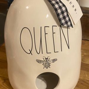 Rae Dunn queen bee birdhouse